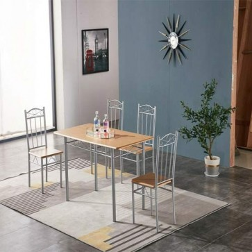 Tavolo e sedia da cucina, con struttura in acciaio e MDF. Set tavoli completo di 4 sedie da pranzo in legno chiaro.