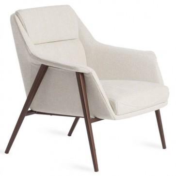 Poltrona Angel Cerdà rivestita in tessuto con struttura in acciaio. Poltroncine design con gambe in legno.