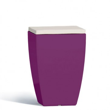 Pouf contenitori per esterno con cuscino in ecopelle bianco o grigio. Sgabello design Monacis in polietilene viola con vano contenitore, ideale per il tuo giardino di casa.