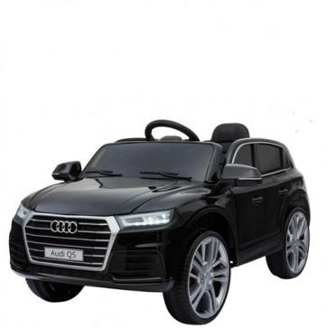 Macchina elettrica per bambini Audi Q5 12V con telecomando e display elettronico. Fuoristrada SUV elettrico colore nero per bambino con retromarcia e radiocomando.