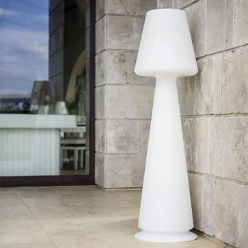 Lampada da terra design in polietilene bianco per interni. Lampade luminose da esterno illuminate di luce LED bianca, piantana luminosa in resina ideale per il giardino.