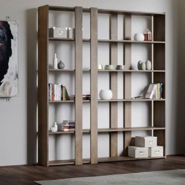 Libreria mobile a parete Kato adattabile in ogni ambiente, dall'ufficio al soggiorno. Librerie noce per oggettistica e libri, ideale per avere tutto in perfetto ordine in un soggiorno moderno.