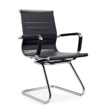 Sedia ufficio slitta in ecopelle. Poltrona in similpelle nera con braccioli, sedie ideali per chi lavora da casa in smartworking.