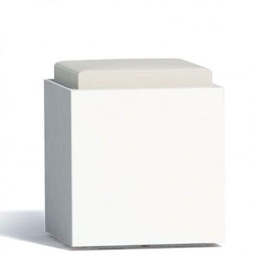 Pouf contenitori per esterno con cuscino in ecopelle grigio. Sgabello design Monacis in polietilene bianco con vano contenitore, ideale per il tuo giardino di casa.