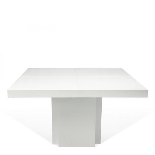 Tavolo da pranzo bianco geometrico con quattro quadrati congiunti ...