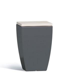 Pouf contenitori per esterno con cuscino in ecopelle bianco o grigio. Sgabello design Monacis in polietilene grigio con vano contenitore, ideale per il tuo giardino di casa.