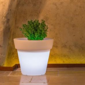 Vaso luminoso rotondo da giardino in resina bianca per esterno. Vasi luminosi circolari da interno illuminati di luce bianca, ideale per le piante del terrazzo.