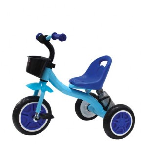 Triciclo bambino in metallo blu con cestino anteriore. Tricicli bimbi a pedali per bambini con portabottiglia.