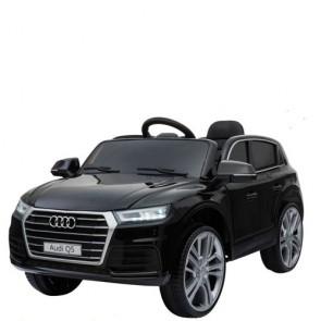 Auto elettrica per bambini Audi Q5 12v con telecomando e sedili in similpelle. Fuoristrada SUV elettrico colore nero 12 volt per bambino con radiocomando.