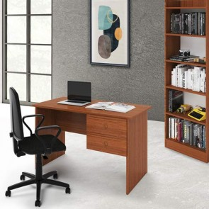 Scrivania ufficio noce antico con due cassetti. Scrivanie porta pc per ragazzi in legno, ideale per arredare camerette e studio.