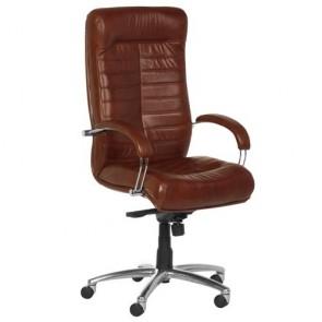 Sedia poltrona presidenziale casa e ufficio in pelle marrone. Sedie imbottite girevoli con ruote e braccioli di colore tabacco.
